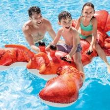 Matelas gonflable en forme de homard a Chevaucher