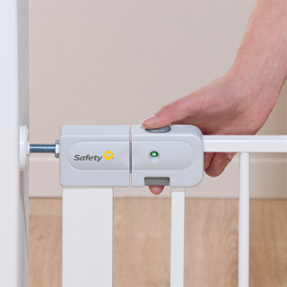 Safety 1st Auto Close barrière en métal – Blanc