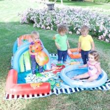 Aire de jeu enfant île gonflable Early Learning Centre